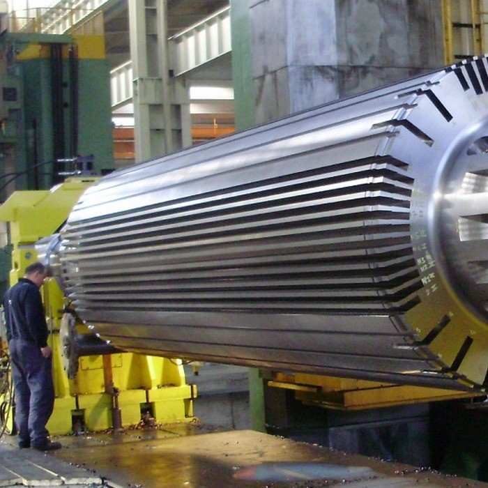 Generator shaft for thermonuclear power plant